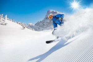 Ski-shutterstock_329436371